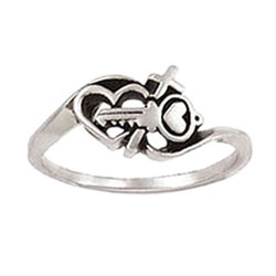 Key and Heart Cross Ring